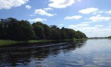 Ūdens temperatūra upēs un ezeros jau sasniedz +15 grādu