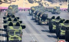 Ziemeļkoreja parādē demonstrē 'Iskander' raķešsistēmas līdzinieci
