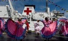 Venecuēlas krīze: Slimniekiem par prieku Lagvairas ostā piestāj ķīniešu kuģis – hospitālis