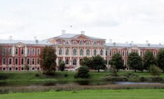 Arī pieminekļu sargi iebilst pret 'Depo' būvniecību iepretim Jelgavas pilij