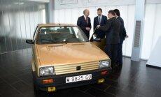 'SEAT' pārsteidz Spānijas karali ar restaurētu viņa pirmo auto