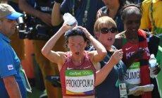 Prokopčuka gribēja sportistes karjerā olimpiskā maratona ierakstu, atklāj sportistes vīrs un treneris