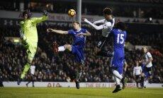 Tottenham Dele Alli scores their second goal to Chelsea