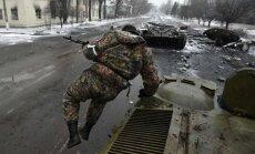 Situācija Donbasā joprojām saspringta: kaujās krituši trīs Ukrainas karavīri