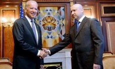 Krievija un tās 'teroristi' negrasās izpildīt Ženēvas vienošanos, paziņo Turčinovs