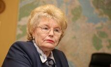 Katras mazākumtautību skolas gatavība pāriet uz mācībām latviski jāvērtē individuāli, uzsver Aldermane