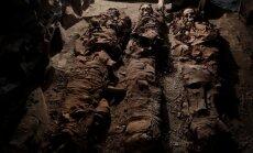 Ēģiptes pilsētā Luksorā atklātas senas kapenes un trīs mūmijas