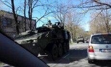 Video: Jaunciemam cauri brauc gara NATO militārās tehnikas rinda