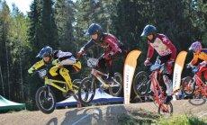 'SMScredit.lv' BMX čempionāta Smiltenes posmā noskaidroti Latvijas čempioni 16 vecuma grupās