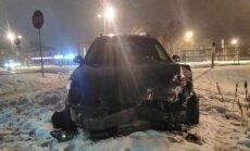 Foto: Valmierā sadragāts 'Ford Mondeo' ar Igaunijas numurzīmi