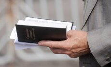 Krievijas Tieslietu ministrija iekļauj Jehovas lieciniekus valstī aizliegto organizāciju sarakstā