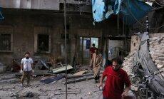 Активисты: в больницу в Алеппо попали две бочковые бомбы