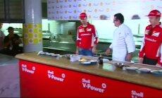 Video: Fetels gatavo pelmeņus un stāsta par sezonas sākumu jaunajā darbavietā