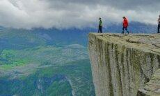 Stāvēt uz pasaules malas: vietas, no kurām paveras neticams skats