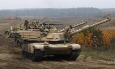 Operācija 'Atlantic Resolve': Latvijā nogādā 17 ASV tankus un bruņutransportierus