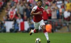 'Liverpool' pārspēj 'Chelsea' komandu cīņā par angļu pussargu Oksleidu-Čemberlenu