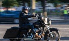 Trampa tarifi: ES piektdien ieviesīs atbildes nodevas ASV džinsiem, motocikliem un viskijam