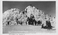 Vēsturiski foto: Ledus iešana gadsimta sākumā – 'nonests' tilts un applūdis būvlaukums
