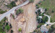 Plūdi Kolorado: joprojām nav zināms 500 cilvēku liktenis