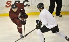 Foto: Latvijas hokeja izlase aizvada treniņspēli