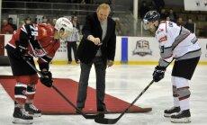 Foto: Sorokina un Laviņa komandas cīnās Latvijas hokeja virslīgas Zvaigžņu spēlē