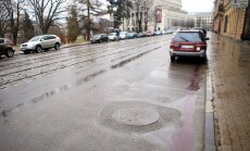 Rīgā trakāk nekā Senajā Romā – kanalizācijas lūkas uz brauktuvēm
