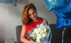 'Ekstrasensu cīņu' zvaigzne Merilina Kerro kļuvusi par māmiņu