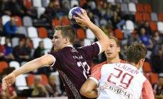 Latvijas handbolisti EČ kvalifikāciju noslēdz ar 16 vārtiem pret olimpiskajiem čempioniem dāņiem