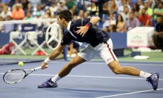 Džokovičs izcīna vietu 'US Open' pusfinālā; Serēna Viljamsa soli tuvāk vēsturiskam panākumam