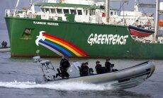 Krievijai jāmaksā Nīderlandei par 'Greenpeace' kuģa aizturēšanu, lemj tiesa
