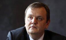 No 'Olainfarm' valdes locekļa amata atcelts Salvis Lapiņš