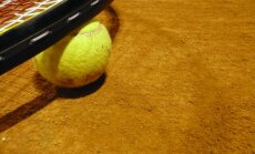 Spānijas tenisisti cīnās neizšķirti ar Čehiju pēc Deivisa kausa izcīņas fināla pirmās dienas