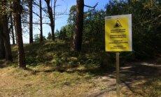 Foto: Karostā nogruvušajā stāvkrastā uzstādītas brīdinājuma zīmes