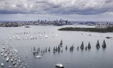 Austrālijas premjeram naudassods par glābšanas vestes nelietošanu