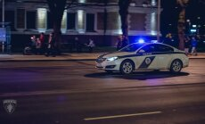 Rīgas centrā vīrietis apzog dzīvokli un pēcāk izdemolē viesnīcas numuriņu