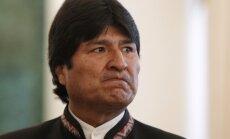Iespējamās Snoudena bēgšanas dēļ piespiedu nosēšanos veic Bolīvijas prezidenta lidmašīna