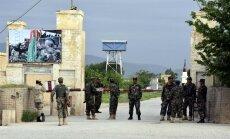 Talibu uzbrukumā Afganistānas armijas bāzei nogalināti vismaz 50