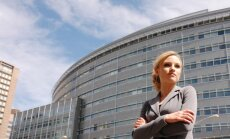 Latvijā no Eiropas valstīm proporcionāli visvairāk sieviešu ir vadošos amatos, atklāj pētījums