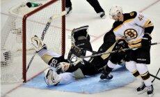 Bostonas 'Bruins' ar 'sausu' uzvaru iesāk Stenlija kausa pusfinālu