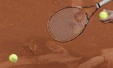 Čehietes Krejčīkova un Sinjakova triumfē Francijas atklātā čempionāta dāmu dubultspēlēs