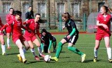 Foto: Latvijas sieviešu futbola sezonas atklāšanas spēle