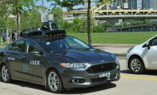 'Uber' publicē foto ar pirmo kompānijas bezpilota auto