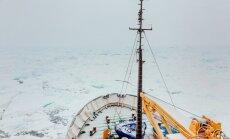No Antarktikā iesalušā Krievijas kuģa evakuēti visi pasažieri