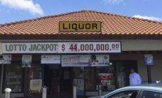 Loterijā ASV laimēts teju pusmiljards dolāru; uzvarētājs pēc balvas nesteidz