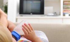 Kāpēc bērnu nedrīkst barot, skatoties multfilmas
