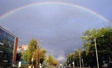 Foto: Varavīksnes loks iekrāso debesis Juglā