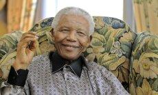 Mandelas ārstēšanā vērojams 'lēns, bet noturīgs' progress