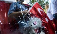 Turcijā pēc puča mēģinājuma izdod orderus 42 žurnālistu aizturēšanai