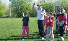 FK 'Jelgava' futbolisti viesojas pilsētas skolās