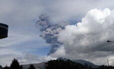 Ekvadorā vulkāna aktivitātes dēļ izsludina ārkārtas stāvokli